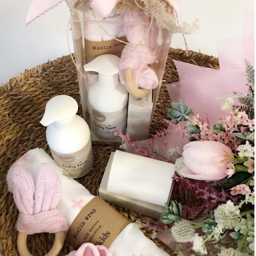 Baby Essentials Gift Box Pink