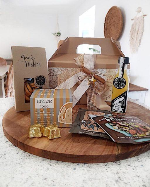 Merry & Bright Gourmet Gable Box