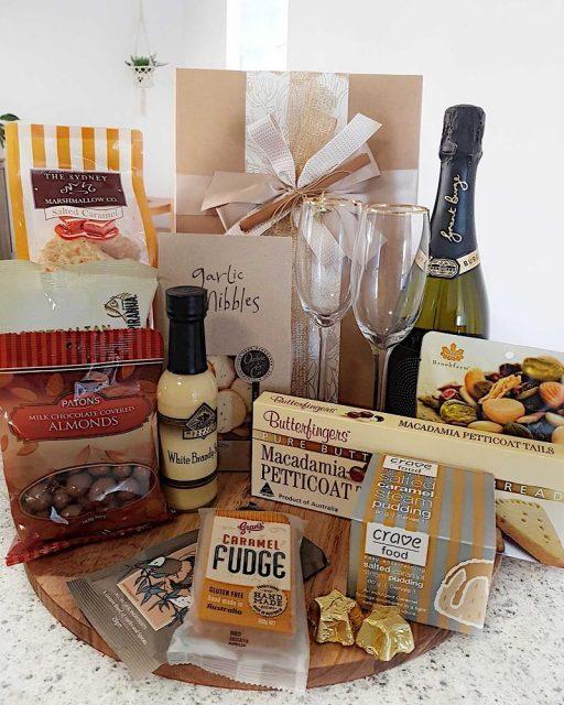 Merry & Bright Gourmet Box